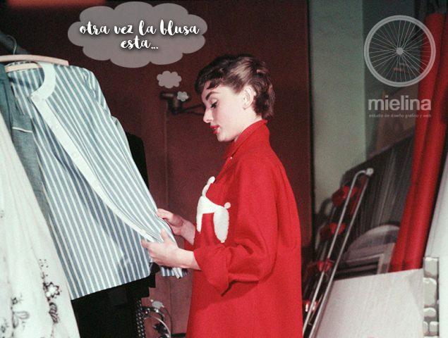 Audrey está harta de la misma ropa